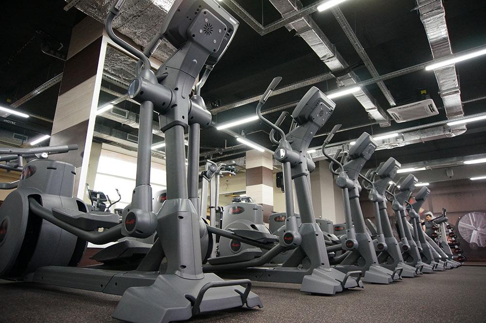 Просторные тренажерные залы, 3 бассейна, общая площадь фитнес-клуба составляет м2.